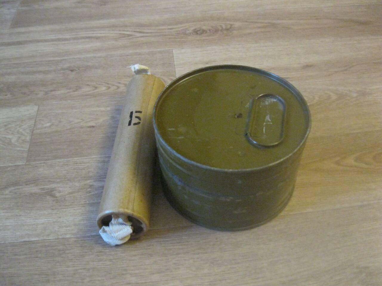 Ручная дымовая граната википедия