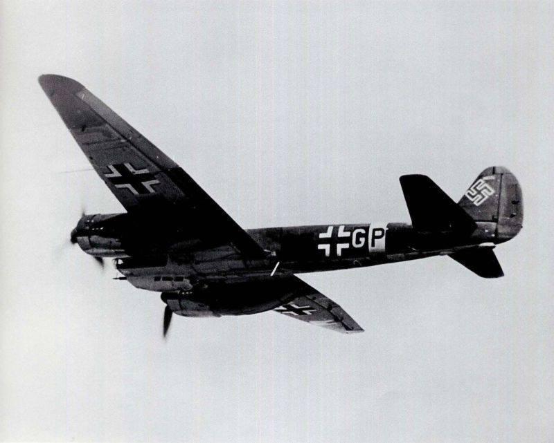 Транспортный самолет юнкерс ju-52 (германия)