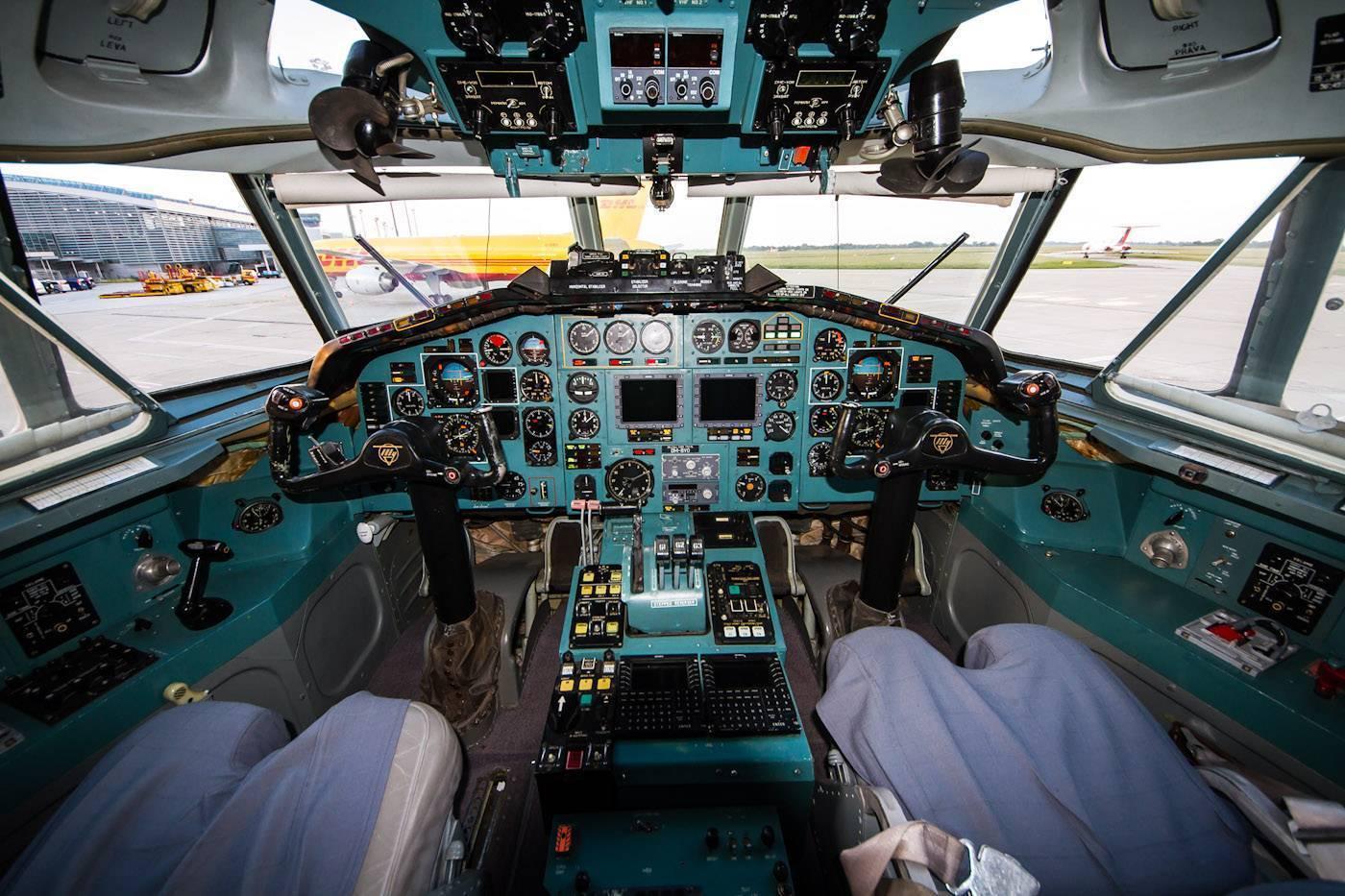 Ту-154 — обзор среднемагистрального пассажирского самолета