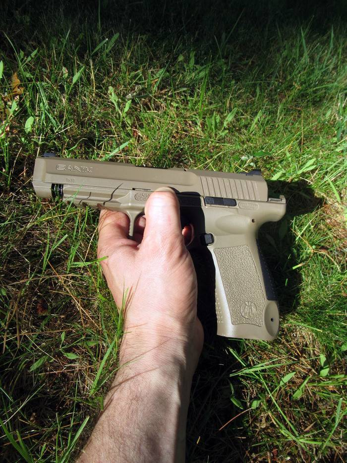 Tec-9. «штурмовой пистолет» и гроза улиц