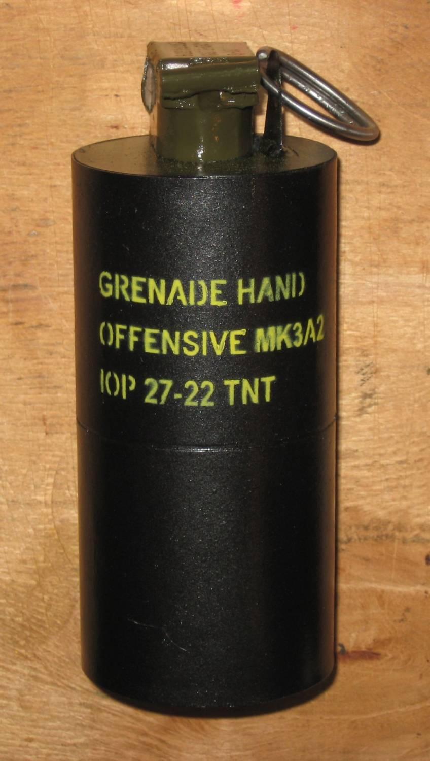Необычные ручные гранаты — фугасная из картона