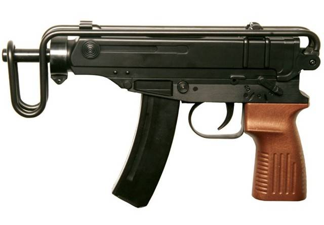 Чешский пистолет-пулемёт «Скорпион» – маленький и вредный