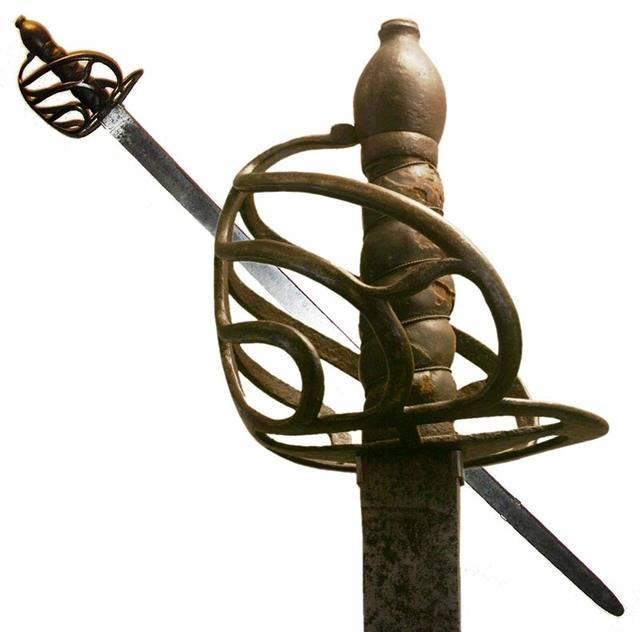 Оружие кавалерии – палаш, клинок прошедший века