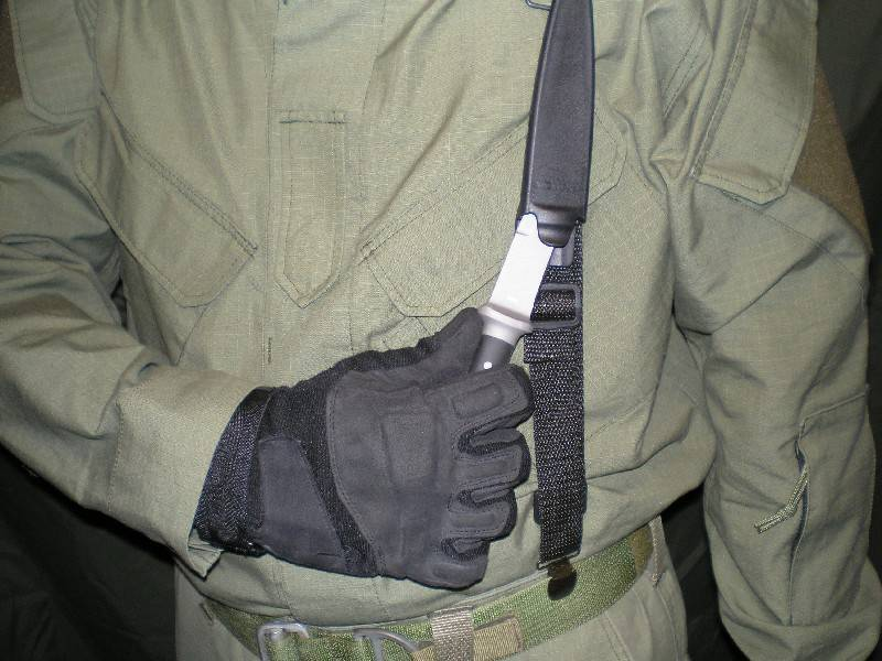 Верховный суд уточнил правила владения холодным оружием — российская газета