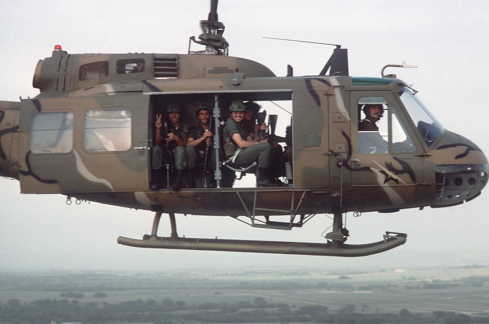 Bell uh-1 iroquois — американская легенда по имени хьюи