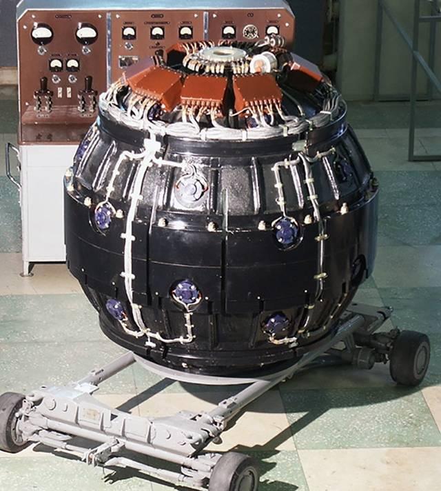 Как работает атомная бомба