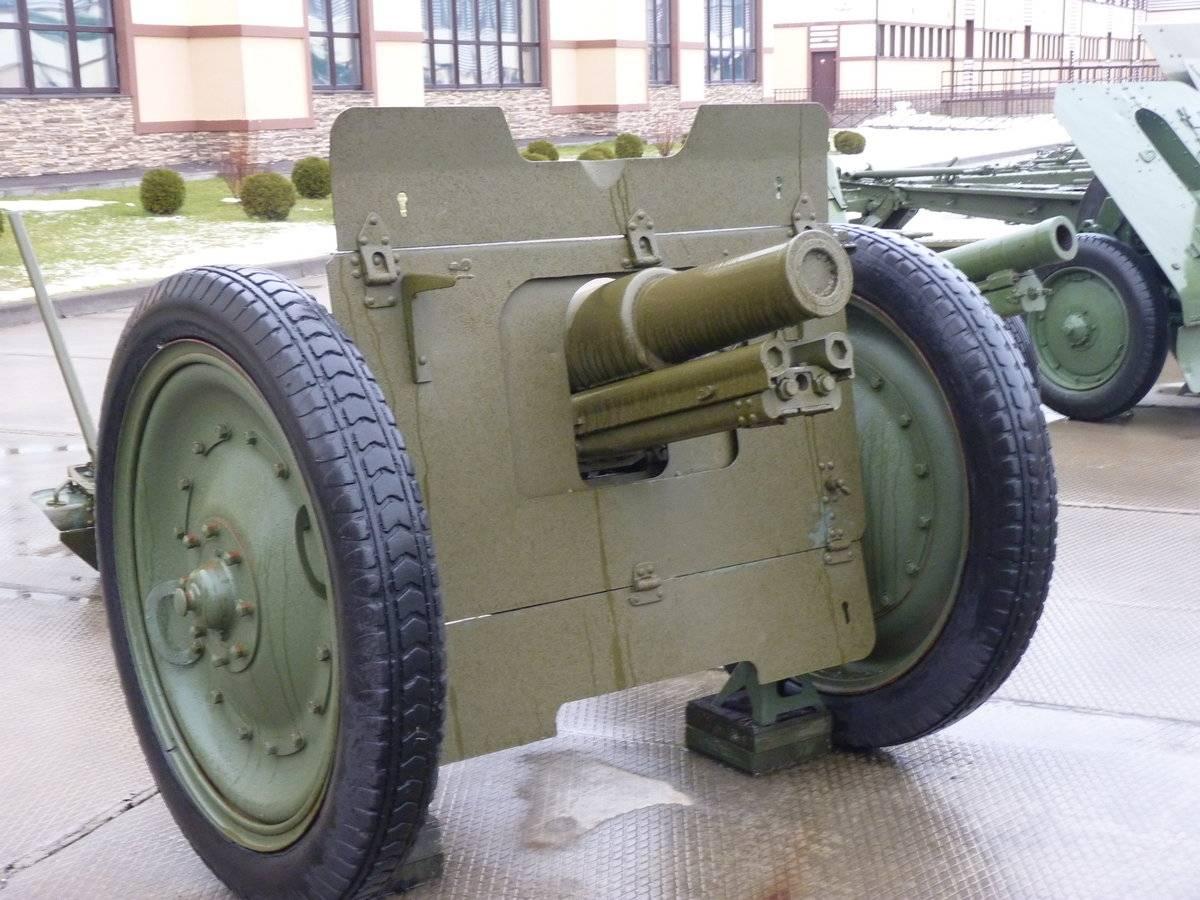 76-мм полковая пушка обр. 1927 года.