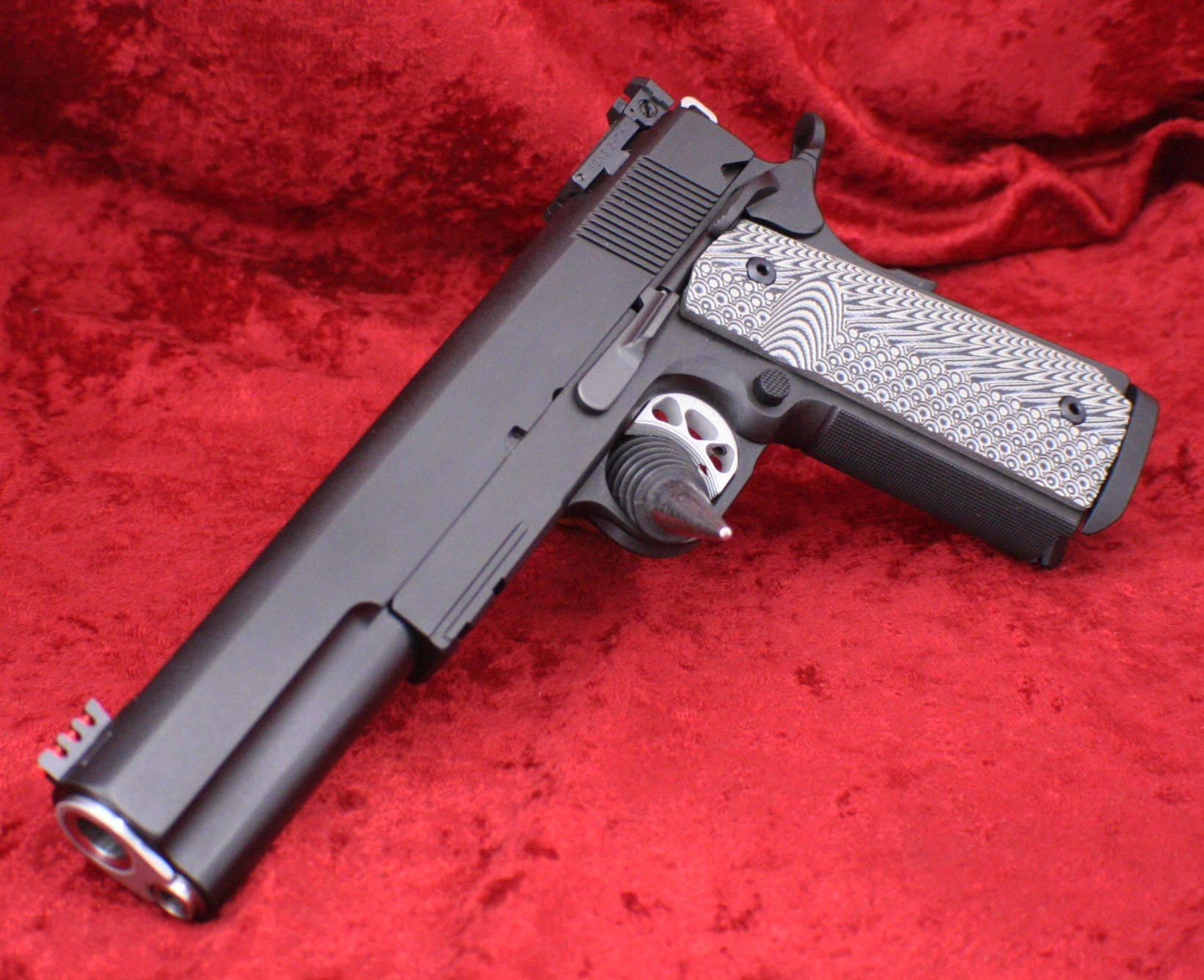 Топ 10 самых лучших пистолетов в мире