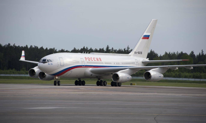 Самолет ил-96-400м приблизили к первому полету