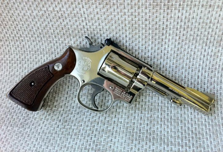 Револьвер smith & wesson .38 hand ejector, military & police. mod.10