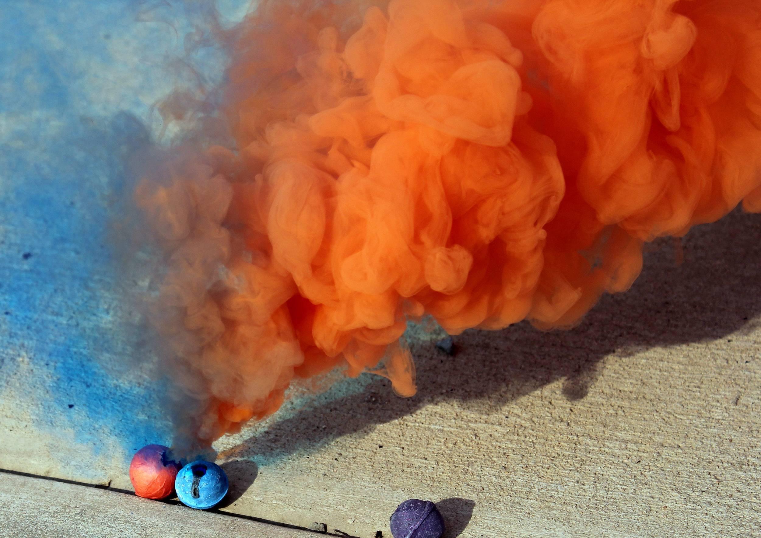 Дымовая шашка: области использования, цветные и армейские, из чего состоит, разновидности дымовух, меры безопасности