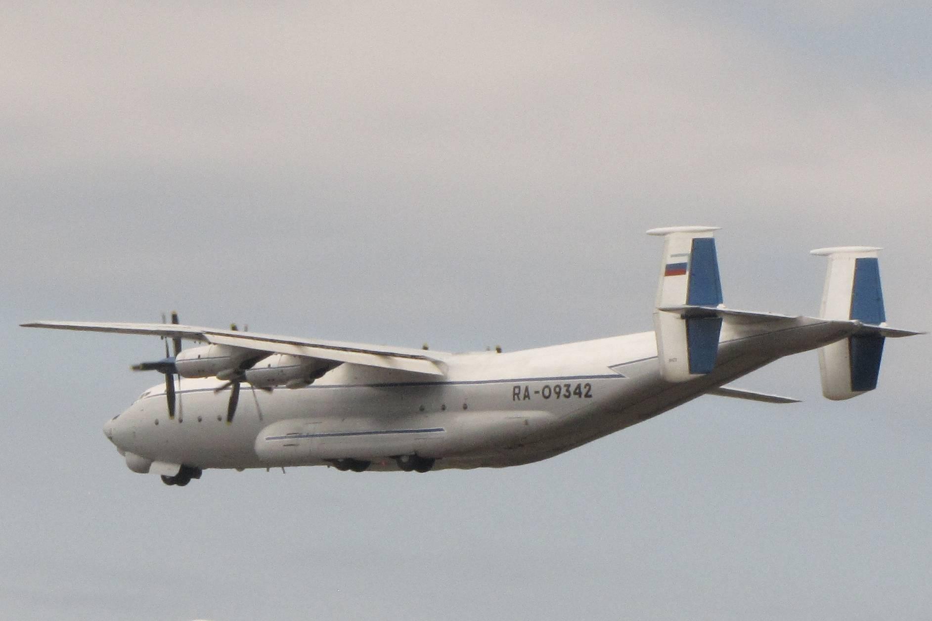 """27 февраля 1965 года совершил первый полёт ан 22 """"антей"""""""