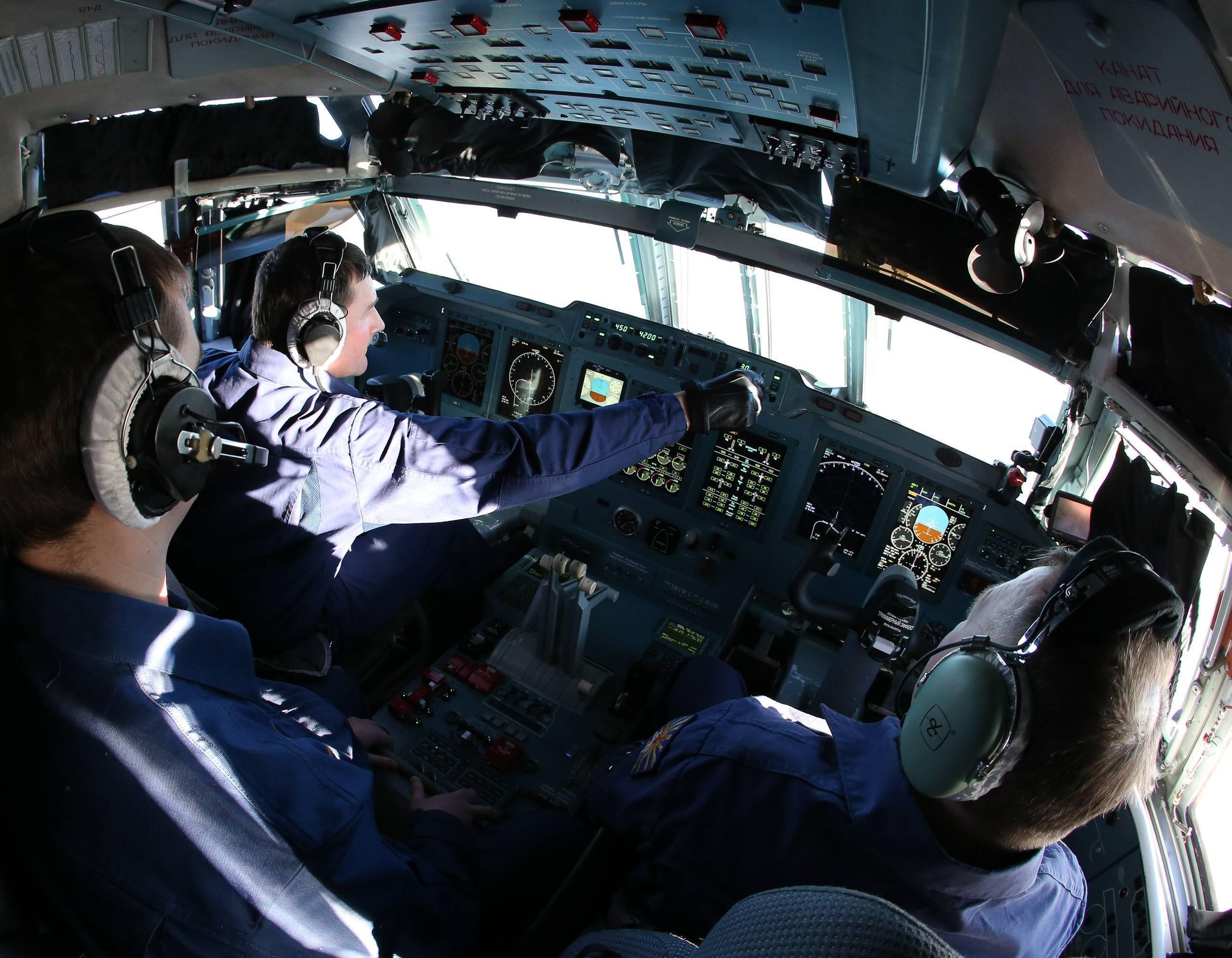 Ил-12 — обзор среднемагистрального пассажирского самолета