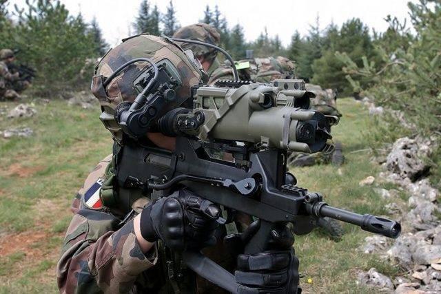 Автоматы / штурмовые винтовки