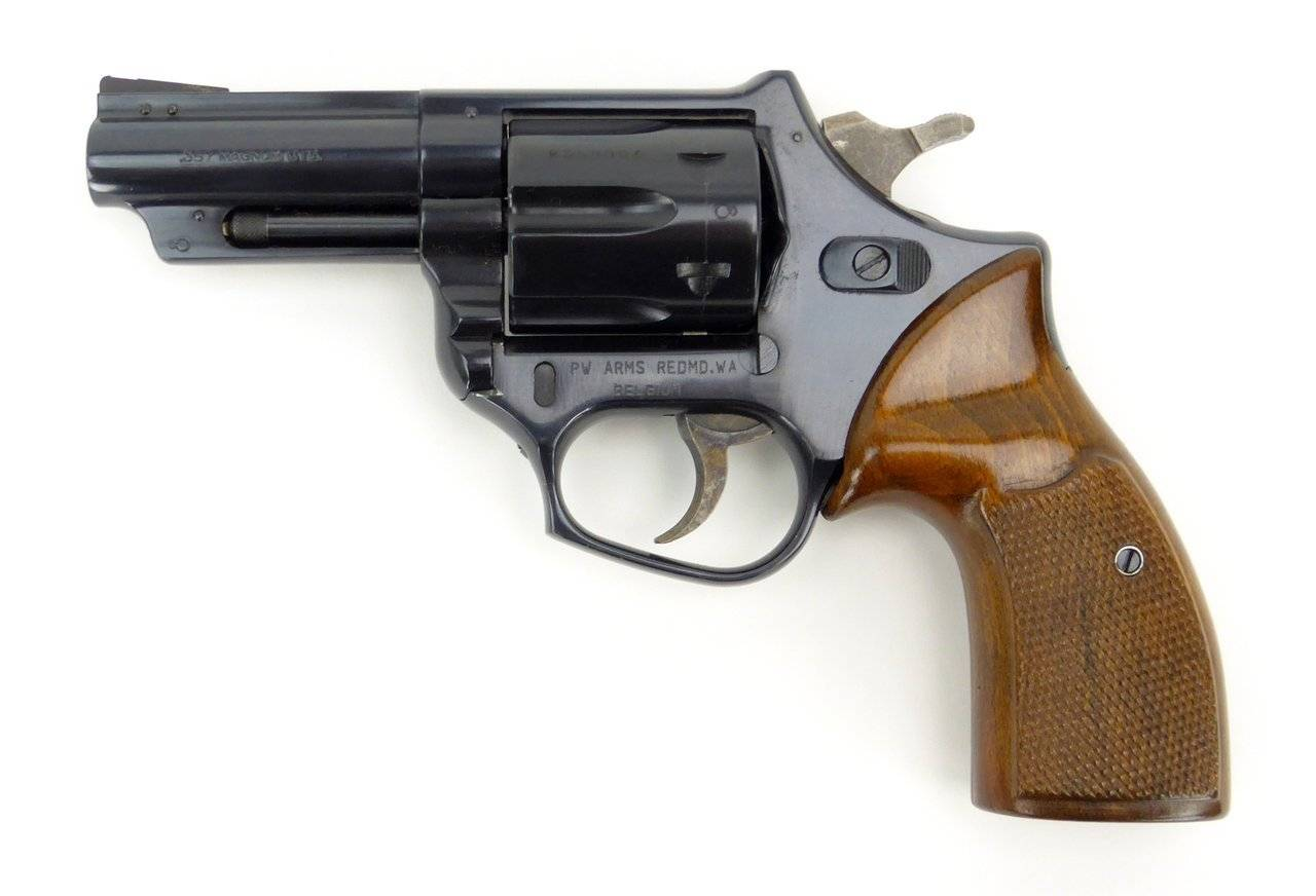 Револьвер FN Barracuda