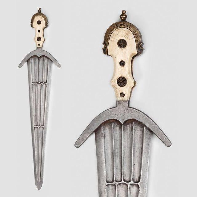 Военное и бытовое использование ножа тесака, история его появления