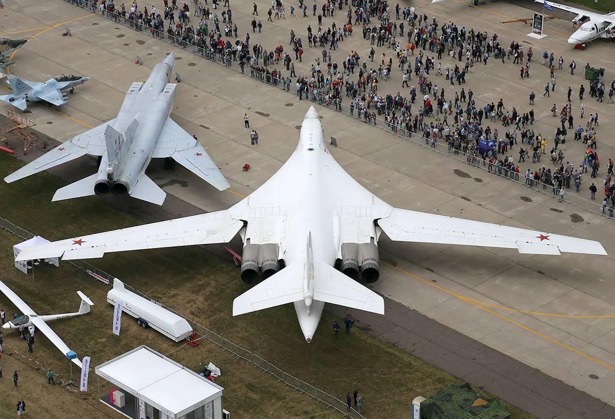 Бомбардировщик ту-160 «белый лебедь» стратегического назначения