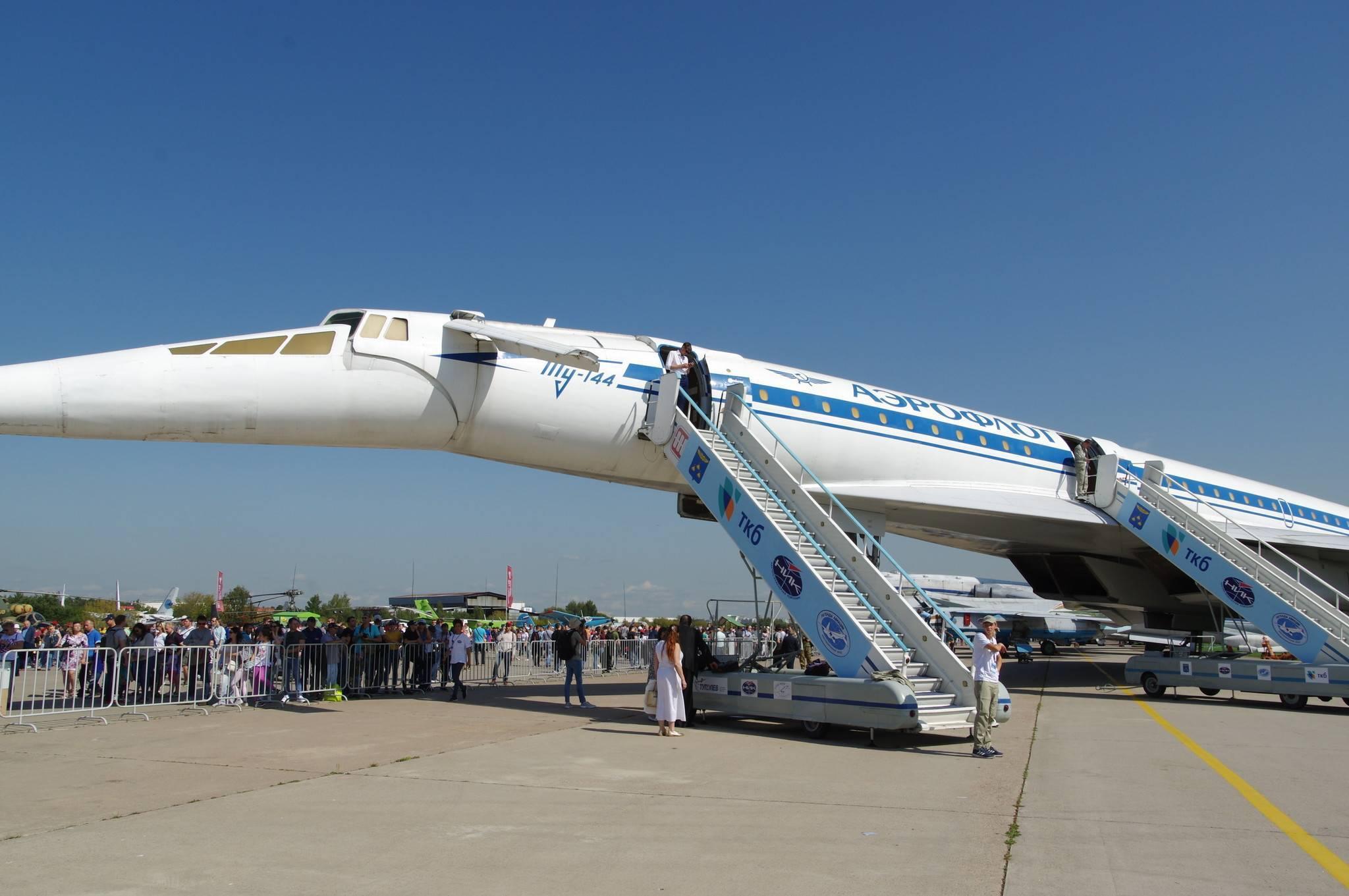 Сверхзвуковой пассажирский самолёт ту — 144 (46 фото + 3 видео)