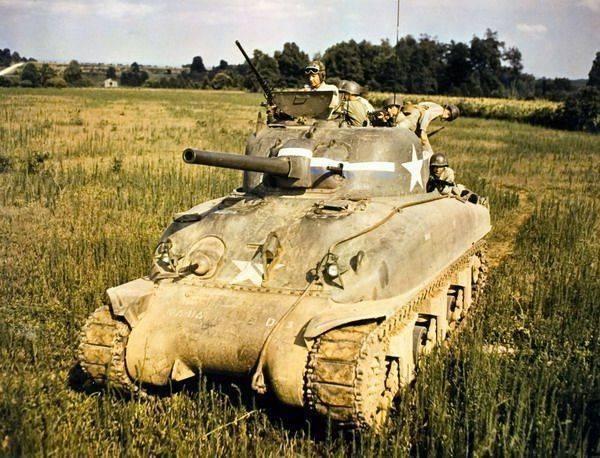 """Американский танк """"шерман"""" – одна из легенд второй мировой. удобная восьмёрка (американский танк шерман m4a3e8) броневой корпус и башня"""