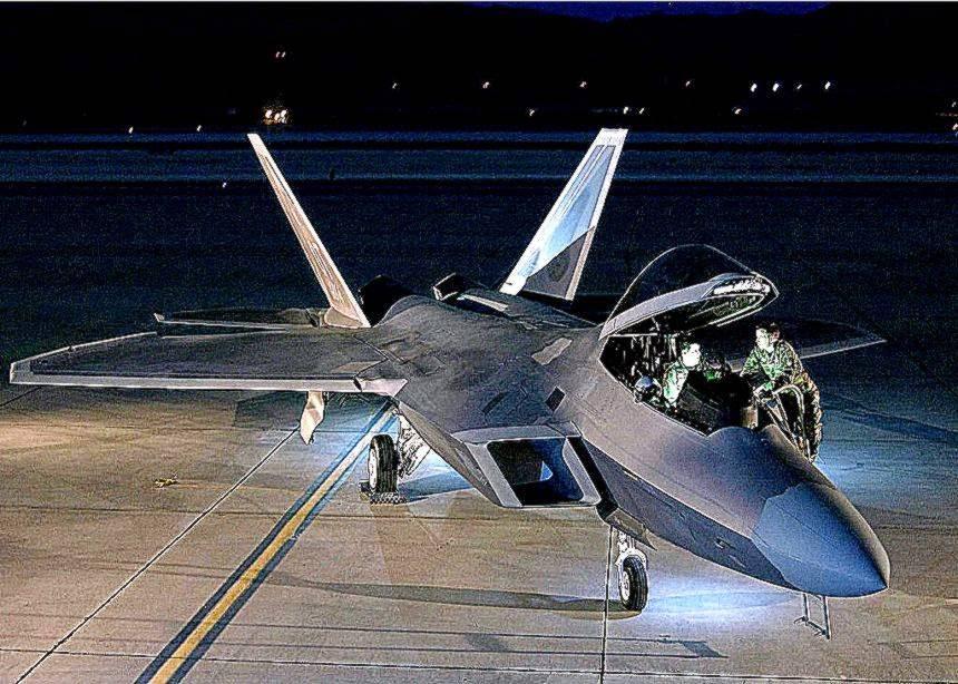 Опасный «хищник» (пилоты ввс сша отказываются летать на самом дорогом истребителе в мире f-22 raptor) / news2.ru