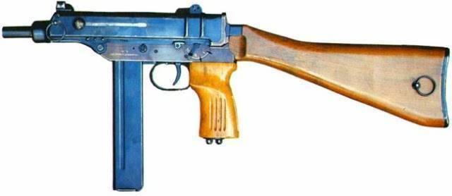 Чешский пистолет-пулемёт «скорпион» – маленький и вредный.