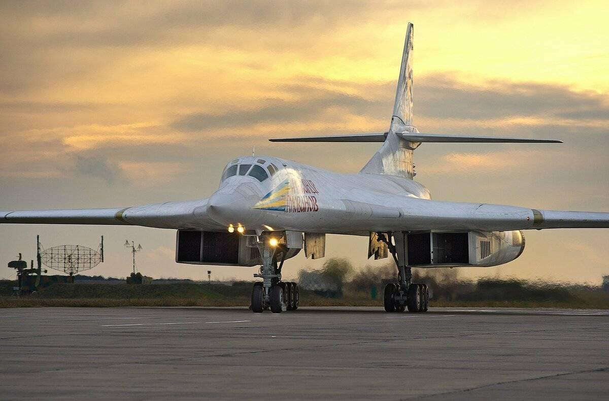 Ту-160 «белый лебедь» стратегический ракетоносец-бомбардировщик