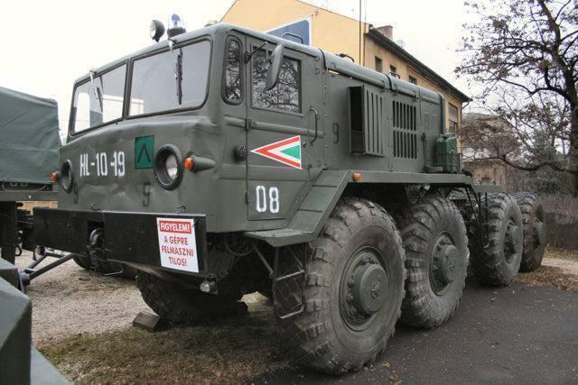 Седельный тягач МАЗ-537