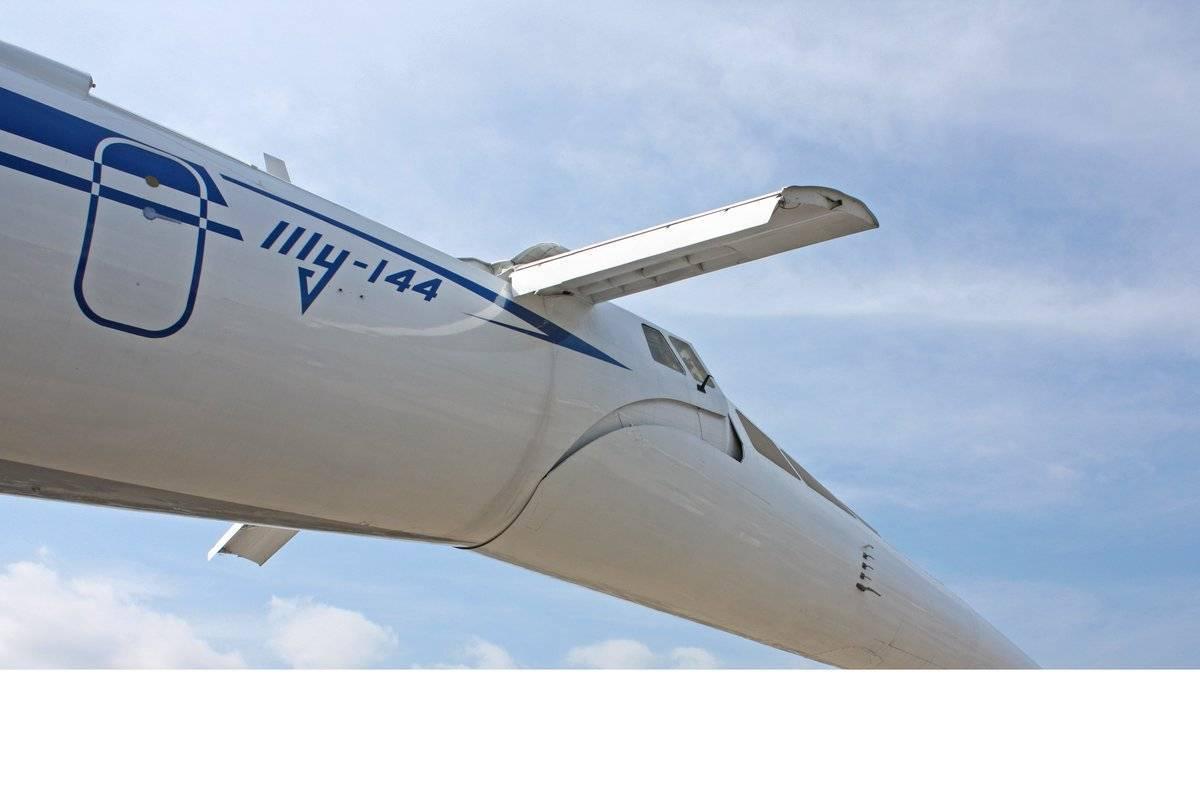 Первый сверхзвуковой пассажирский самолёт ту 144