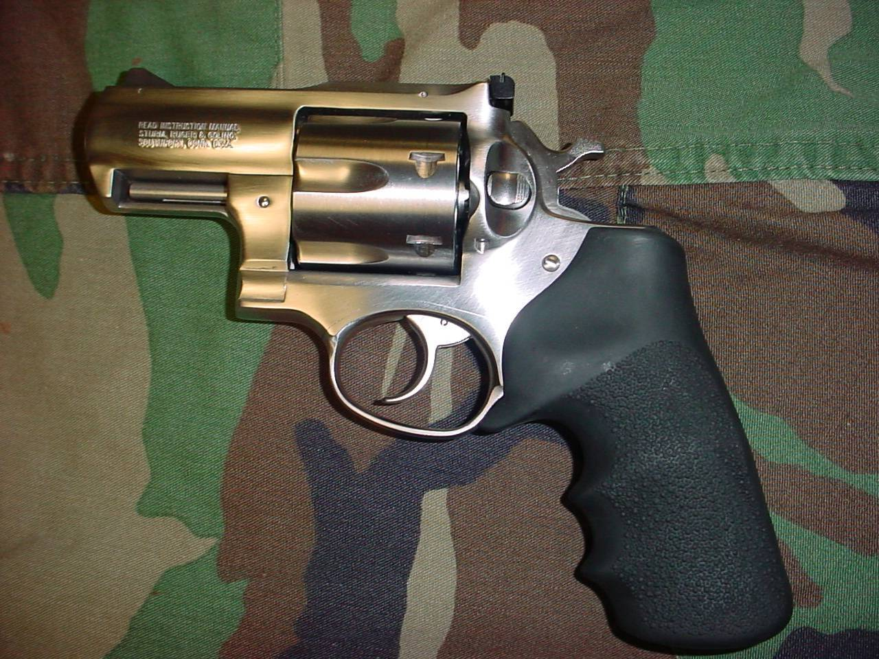 Ruger redhawk / super redhawk - internet movie firearms database - guns in movies, tv and video games