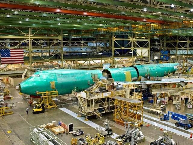 Двухэтажный боинг 747 схема. нижняя палуба: места