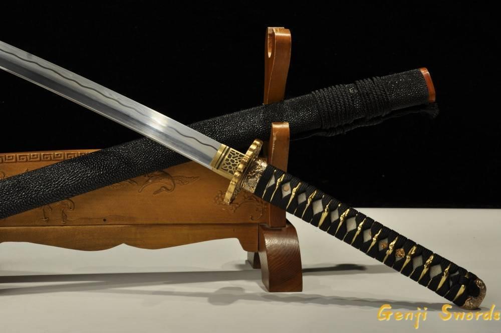 Из чего делается меч. технология изготовления полуторного меча. простой способ изготовления меча дома