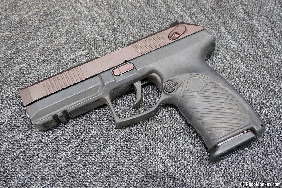 Удав удушит лебедя! новейшие российские пистолеты сравнил эксперт