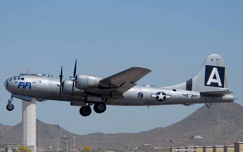 Boeing B-29 Superfortress – вершина развития поршневого стратегического бомбардировщика