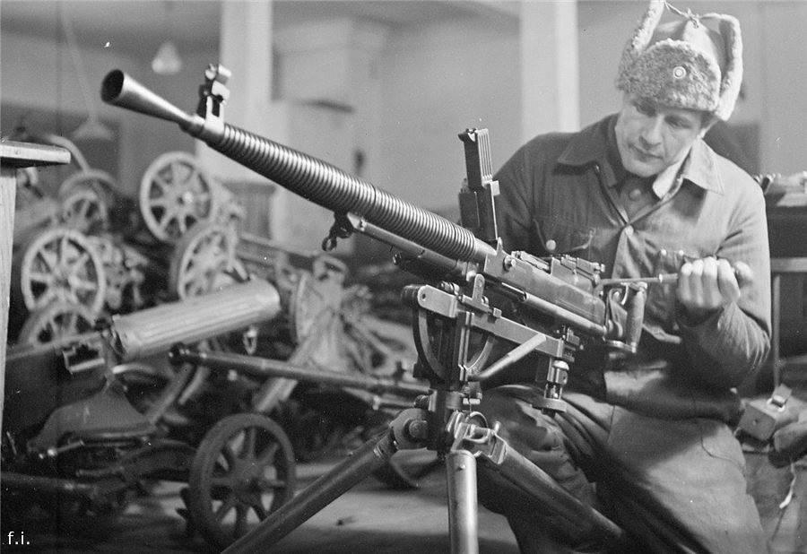 Пулемет максим ттх. фото. видео. размеры. скорострельность. скорость пули. прицельная дальность