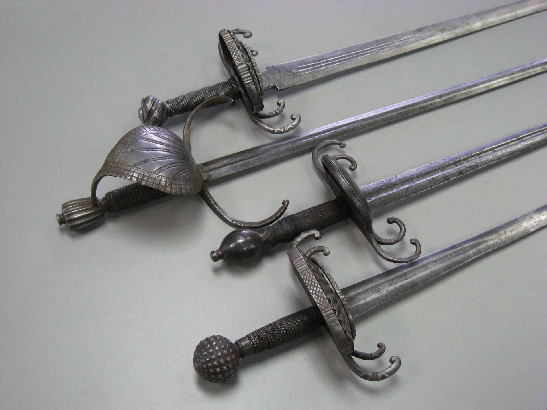 Европейская дага или кинжал для левой руки: история оружия и его описание