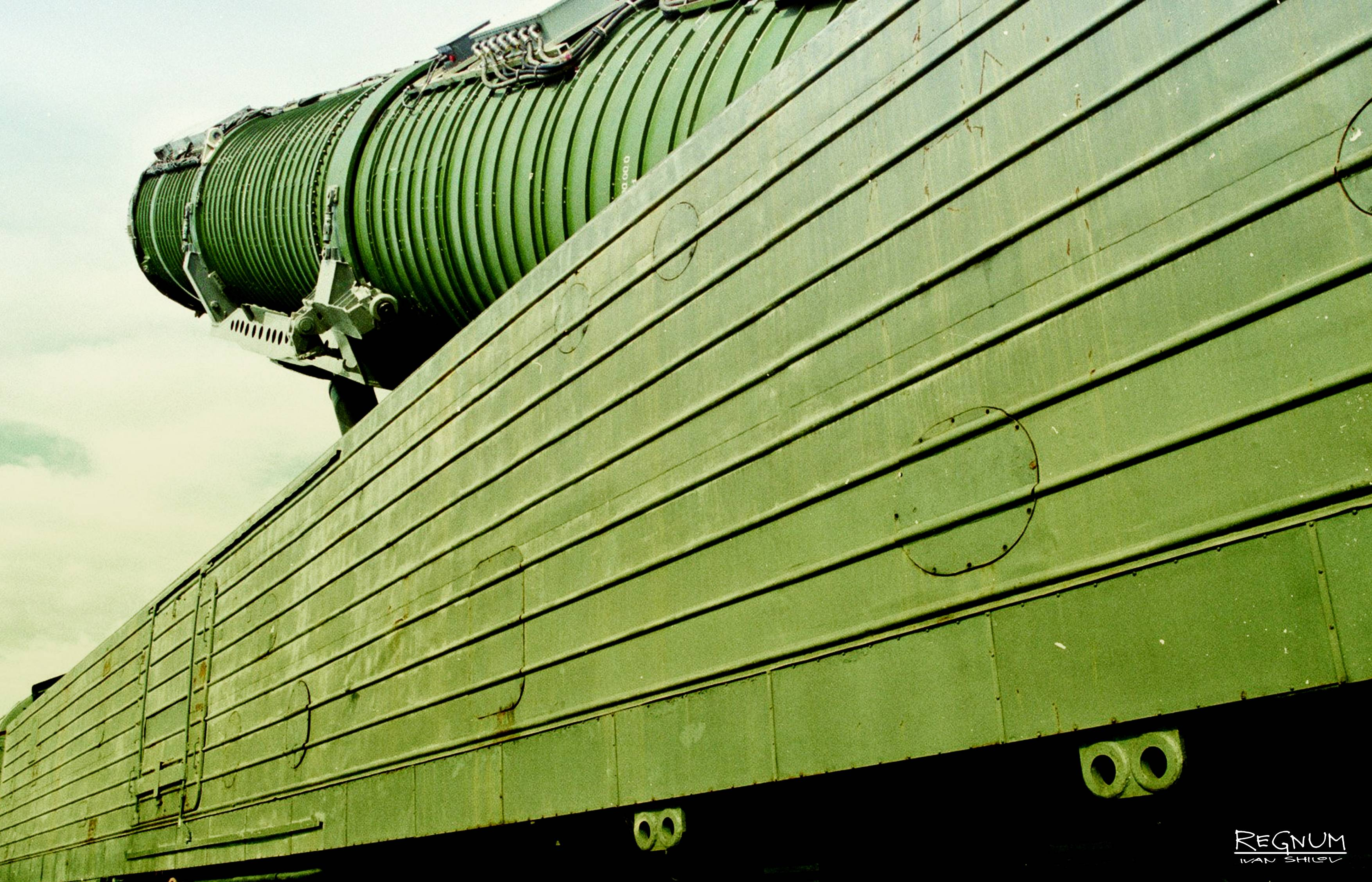 Боевой железнодорожный ракетный комплекс — википедия. что такое боевой железнодорожный ракетный комплекс