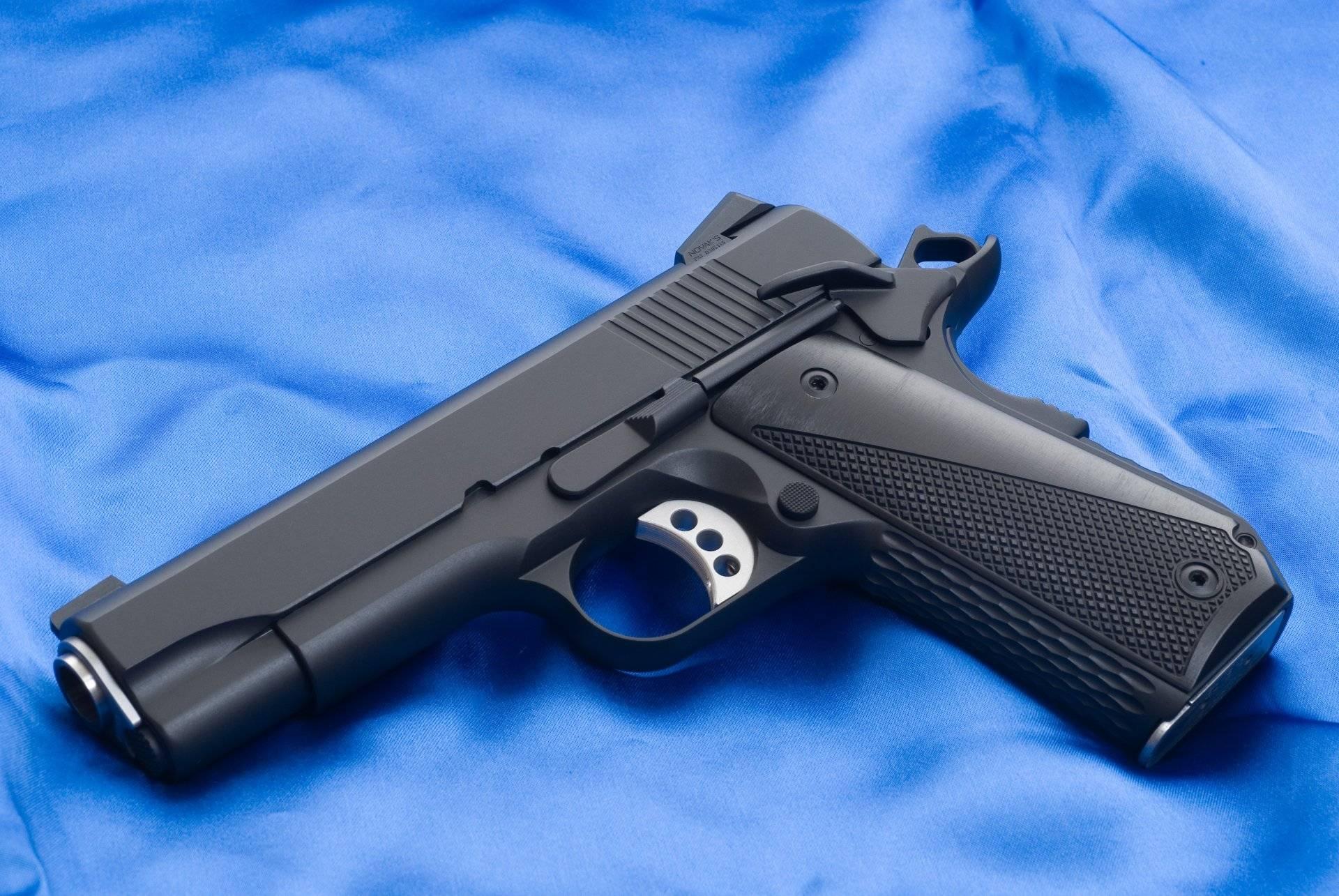 Топ-5 самых известных армейских пистолетов мира