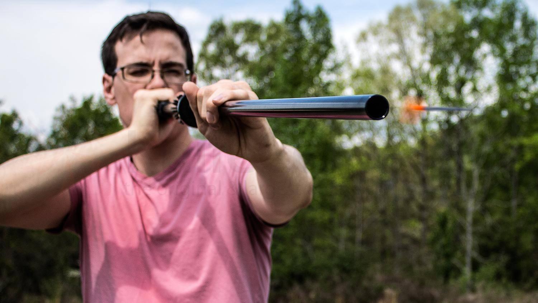 Простое самодельное метательное оружие для охоты при выживании в экстремальной ситуации, бола, праща, рогатка, лук, арбалет, духовая трубка.