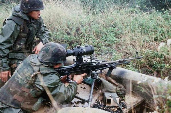 M60 (пулемёт) википедия