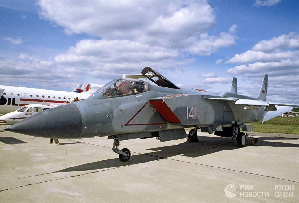 Палубный истребитель Як-141 – потерянные возможности