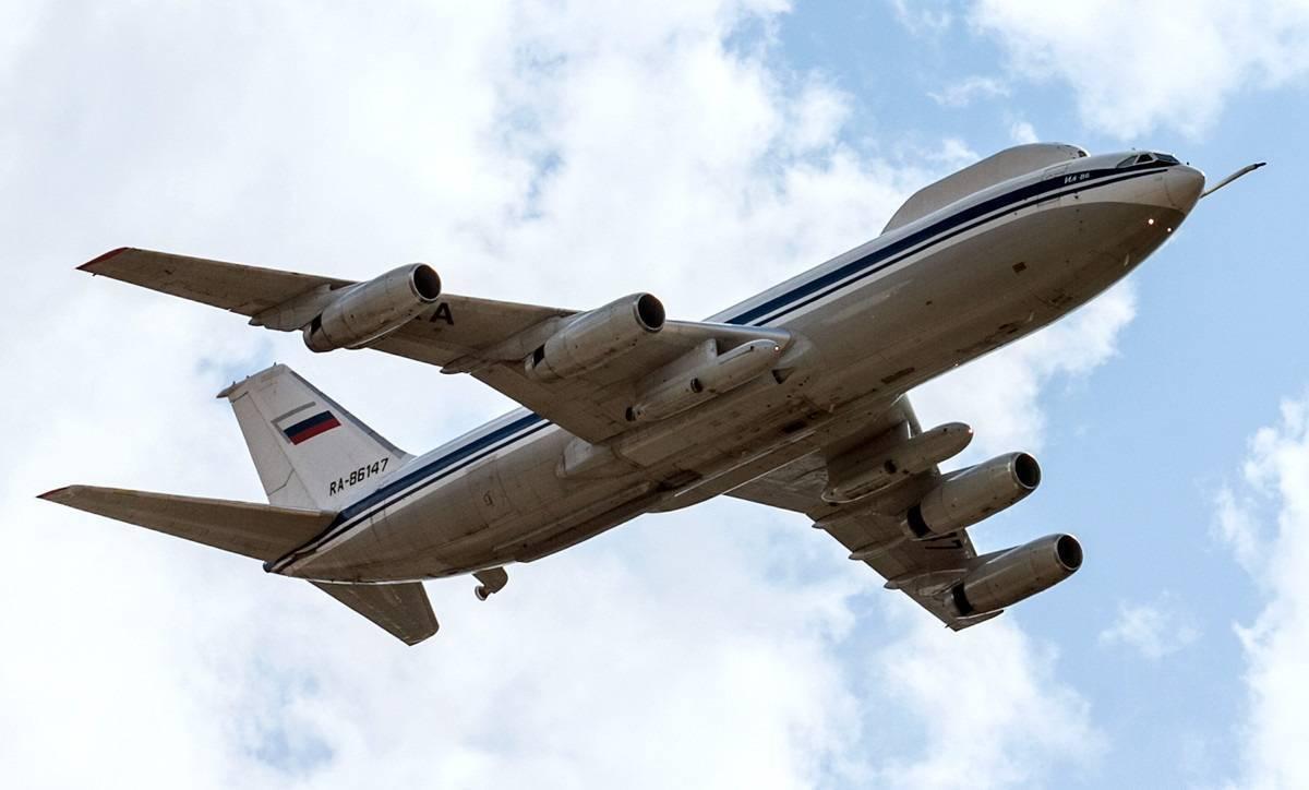 Обзор самолета Ил-80: история и технические характеристики