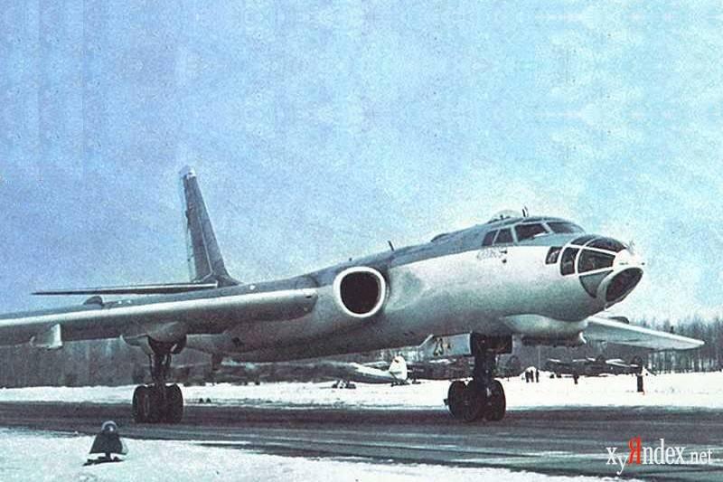 Читать онлайн книгу ту-16 ракетно бомбовый ударный комплекс советских ввс - п. сергеев бесплатно. 1-я страница текста книги.