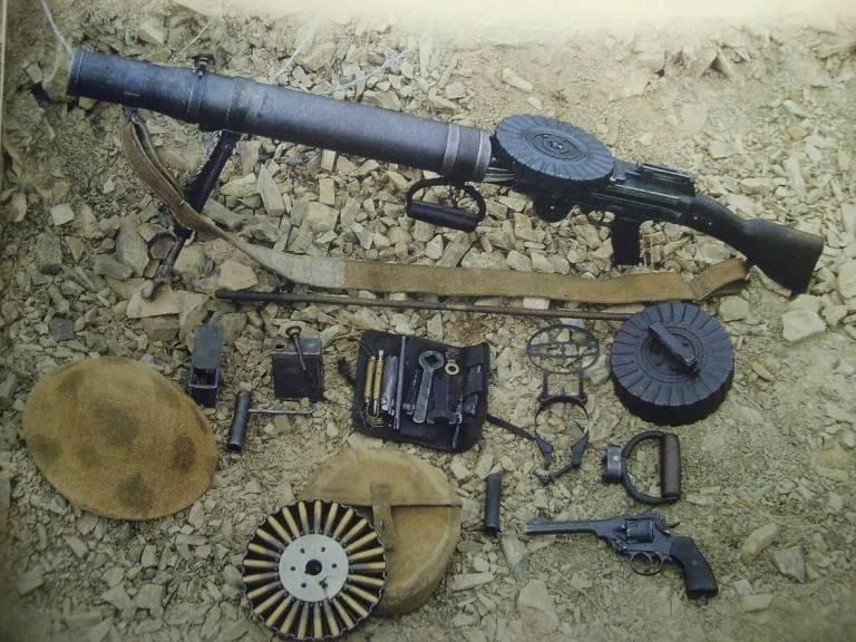 Льюис пистолет - lewis gun
