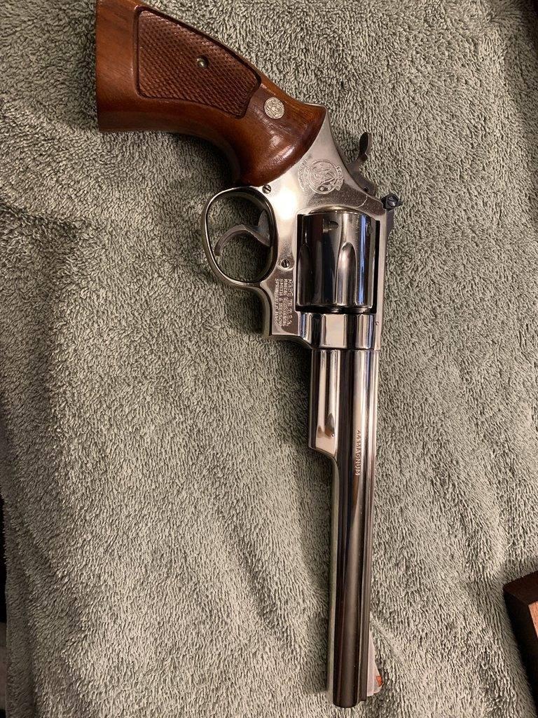 Револьвер смит-вессон ттх. фото. видео. размеры. скорострельность. скорость пули. прицельная дальность. вес