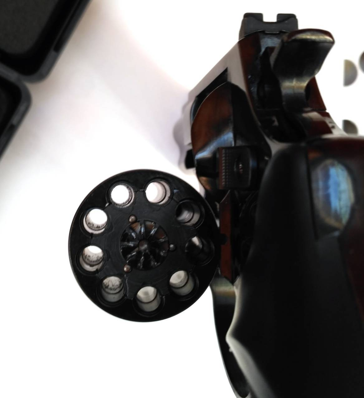 Сигнальные револьверы и пистолеты — эффективное средство звукового оповещения