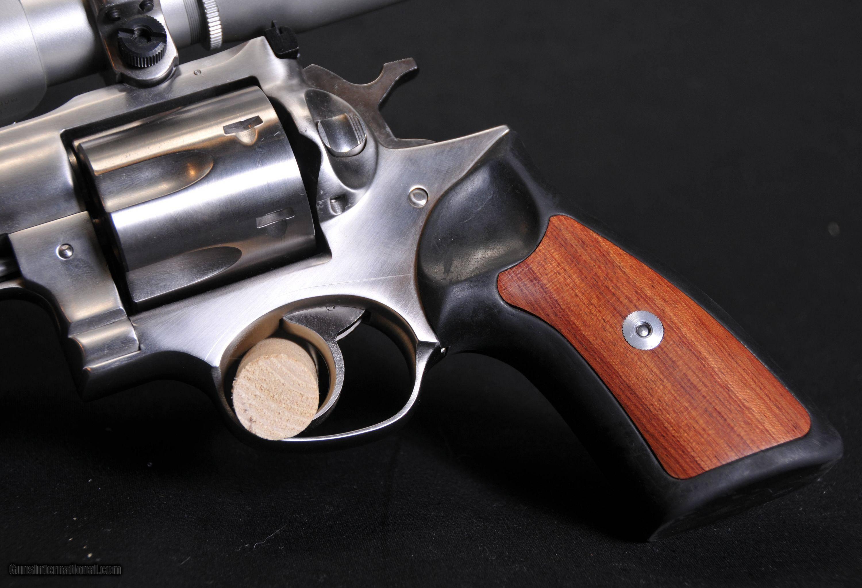 Револьвер Ruger Super Redhawk