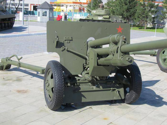 """Поле боя. т-34-57 - редкий танк, который спас сталина и мог бороться с """"тиграми"""""""