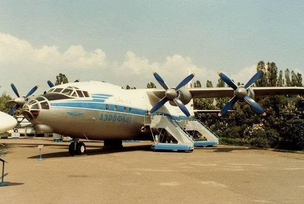 Ан-10: Элегантный лайнер – высокоплан