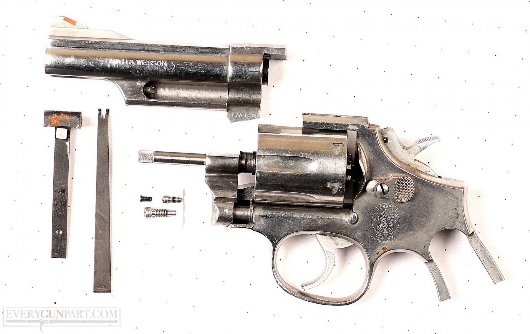 Револьвер Smith & Wesson Model 66