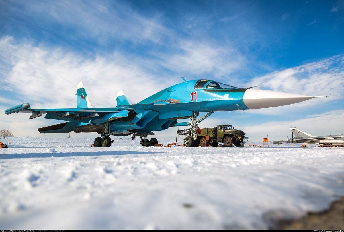 """Су-34 по прозвищу """"утенок"""": лучший бомбардировщик армии россии"""